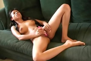 playgirl fondles soaked pussy