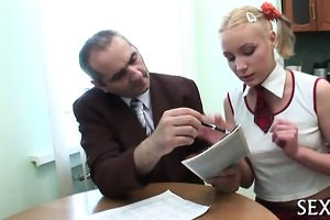 teacher is getting juicy oral job