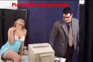 porno italiano - segretaria scopata da boss super
