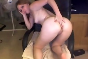 blond college hotty marie masturbates