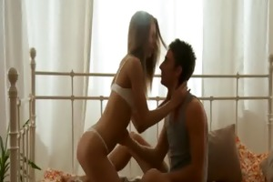 lustful stud kisses girl&#039 s