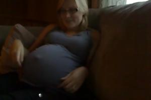 abdomen button 28 weeks